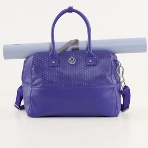 Lululemon daily gym bag in color bruised berry